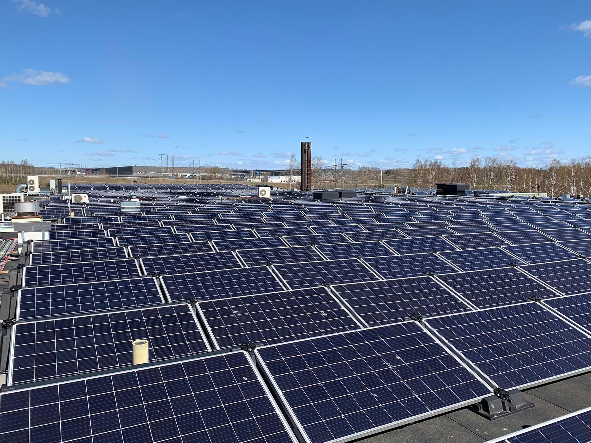 Solpaneler som ger grön el från dag 1